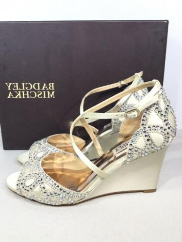 Badgley Mischka Size 7.5 Wedge Sandals