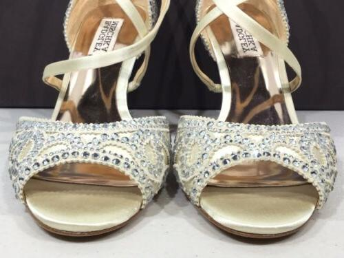 Badgley Mischka Size Wedge