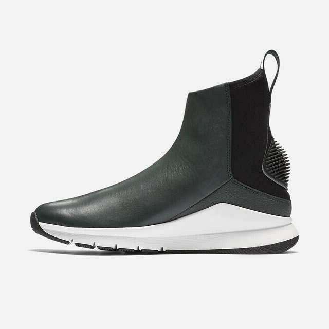 Nike Womens Rivah Premium Leather Boots