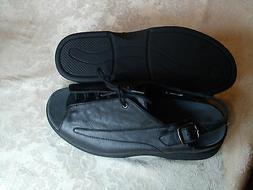 To The Point Lexi Black Leather Sandle Women's US 8M// Briti