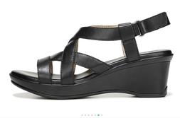 New $90 NATURALIZER Women Open Toe Cushioned Leather Sandals
