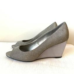 Bandolino Tuff Love Dress Shoes Silver Womens Size 9M  High
